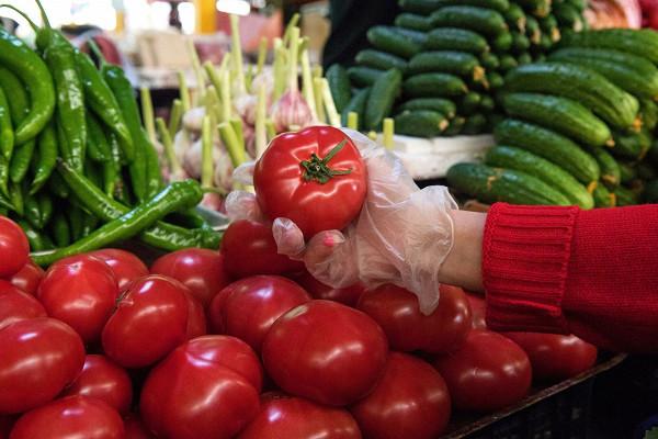 Власти Москвы неожидают дефицита яблок итоматов из-зазапрета наихввоз изАзербайджана