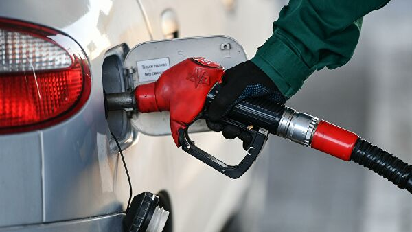 Запасы бензина вРоссии достигли минимума с2015 года