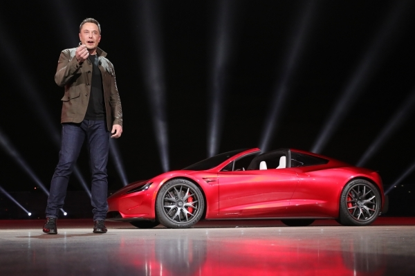 Tesla отзовет вСША158тысяч автомобилей из-задефектов