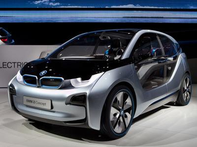Компания BMWнамерена взвинтить продажи электрокаров донебес