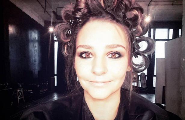 «Видплохой девочки»: макияж Глафиры Тархановой привлек внимание прохожих