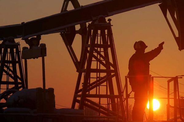 Президент ОПЕК призвал неспешить снаращиванием добычи нефти