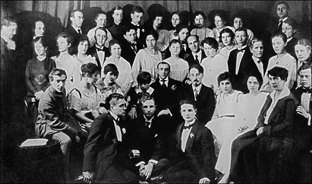 Поколение В: театр имени Вахтангова отмечает 95-летие