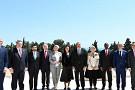Президент Азербайджана принял верительные грамоты упослов ряда стран