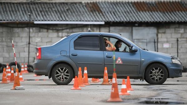 Россиянам предрекли подорожание учебы вавтошколах