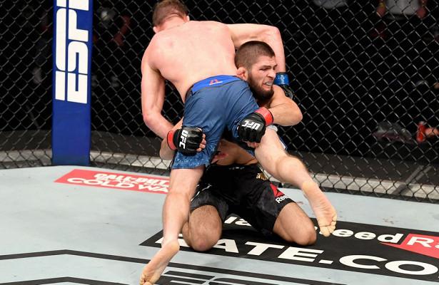 Глава UFCзаявил, чтоХабиб получил перелом за3недели допобедного боясГейджи