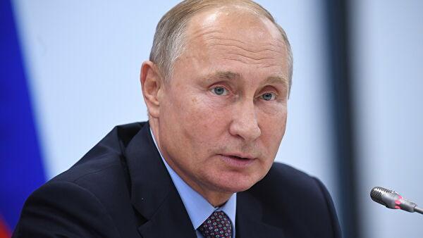 Путин призвал Грефа незабывать, что«Сбер»— впервую очередь банк