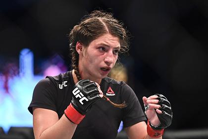 Российская боец UFC получила страшное рассечение