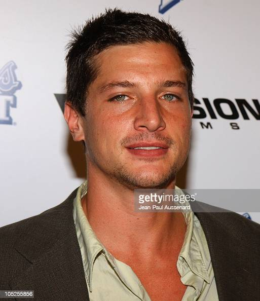 simon-rex-solo-jerk-off
