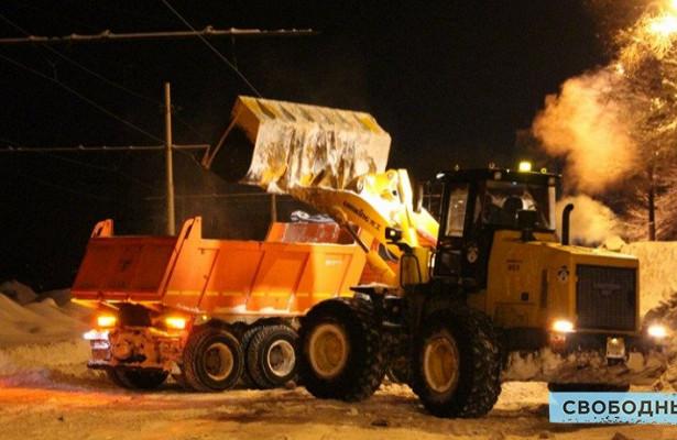 Ночью саратовские коммунальщики хотят основательно расчистить шесть дорог. Список