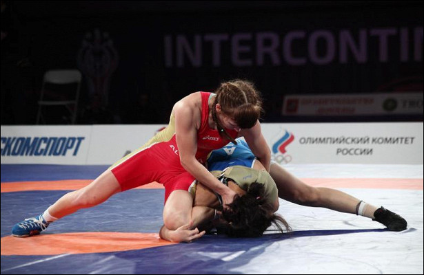 Столичные спортсменки получили медалей наоткрытом Кубке России поженской борьбе