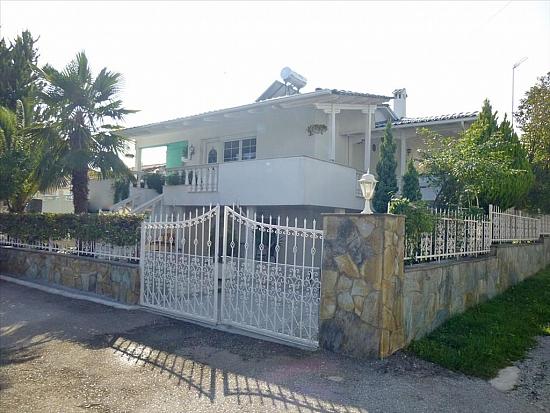 Дом на берегу моря остров Катерини недорого