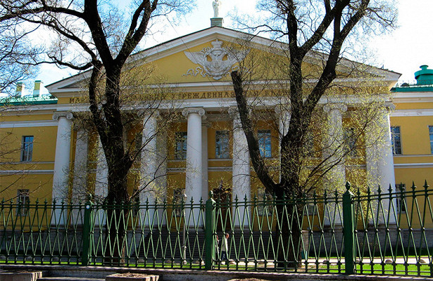 Мариинскую больницу вСанкт-Петербурге перепрофилируют подбольных COVID-19