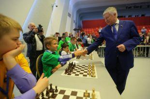 Чёрно-белые баталии. Юные шахматисты сошлись всхватке интеллектов