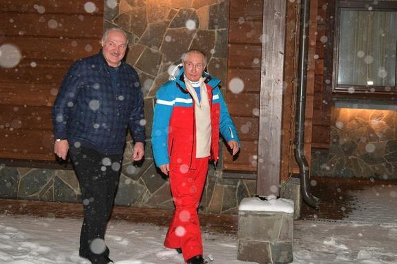 Политолог Озимко объяснил, почему Лукашенко стремится кконтролю надэкономикой