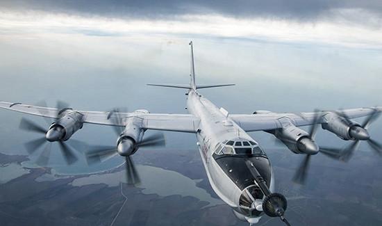 Набазе центра боевого применения ипереучивания лётного состава морской авиации ВМФвЕйске проходят сборы экипажей морской противолодочной авиации