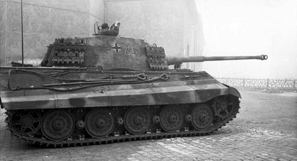 Почему немцам непомогли хваленые «Королевские тигры»