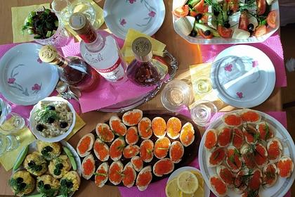 Доктор рассказал россиянам осмертельной опасности закусок