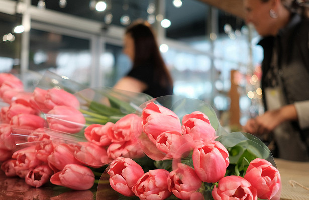 ВФТСопровергли слухи озадержке поставок цветов вРоссии