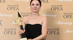 Озоллапиня стала лучшей российской актрисой 2020 года