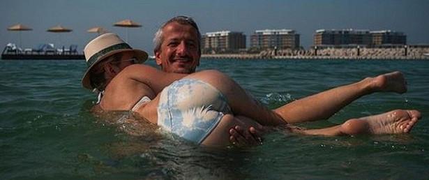 Богомолов изДубаи показал фото с«пятой точкой» Собчак