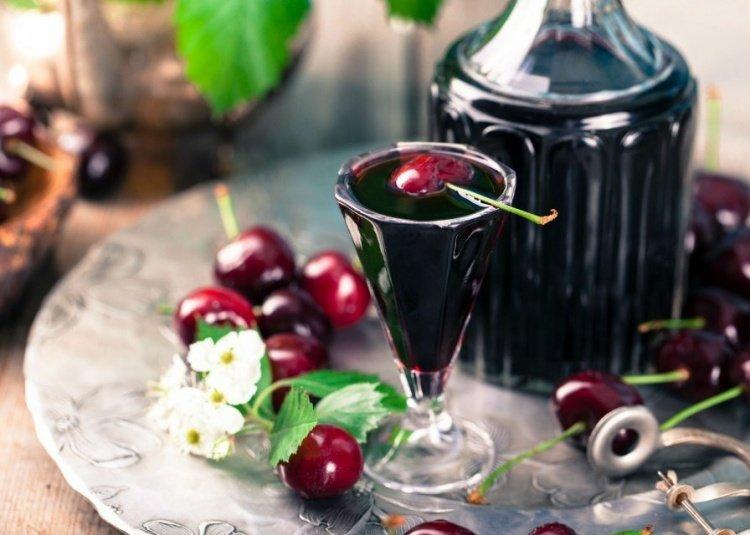 Рецепт вишневки на водке быстрый