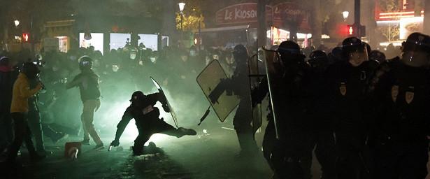 Вовремя протестных акций воФранции ранено 37сотрудников полиции