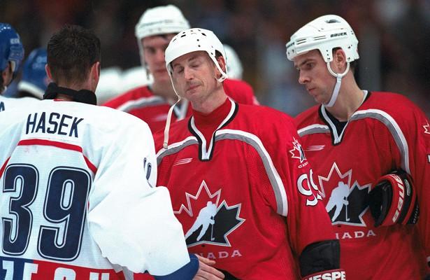 Каксборная Канады похоккею проиграла Олимпиаду-1998, оставшись безмедалей