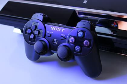 Россиянина осудили запродажу взломанной PlayStation