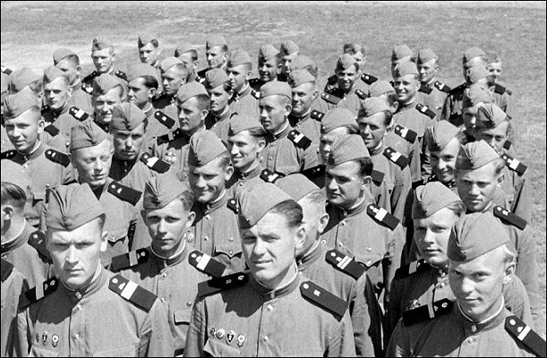 Зачем Жуков переодел Советскую армию в1956 году