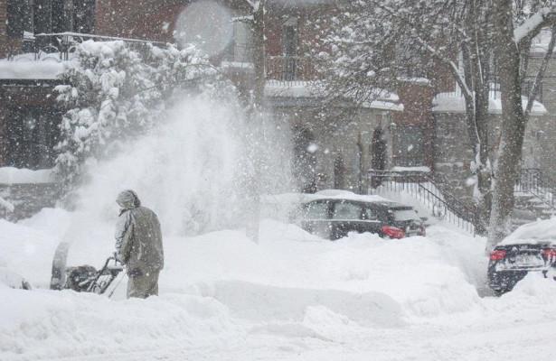 «Половина месячной нормы». Синоптики сказали, кому достанется больше снега