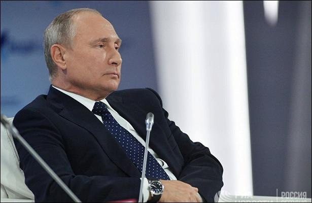 Bloomberg (США): Чувствуя себя вменьшей изоляции, путинская Россия занимает выжидательную позицию