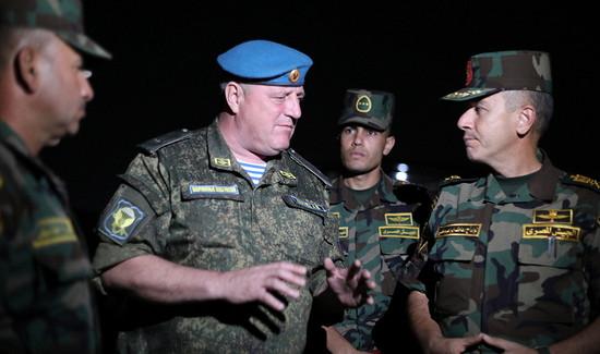 Входе совместного учения «Защитники дружбы-2021» сроссийскими иегипетскими десантниками проведено ночное занятие поогневой подготовке