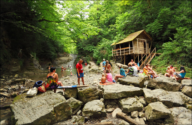 Напопулярном курорте России вернут сборы стуристов