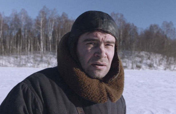 Петр Федоров втрейлере военной драмы «Летчик»