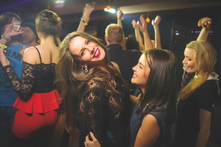 Ночной клуб что там делают да винчи ночной клуб