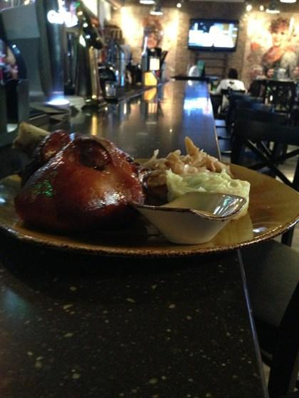 Ресторан Кельн - фотография 1 - Свиная рулька