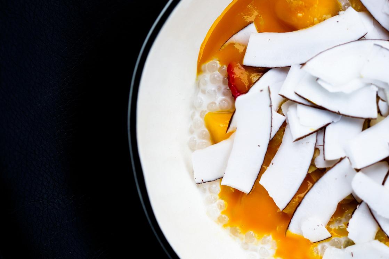 Ресторан Tehnikum - фотография 7 - манго, кокоc, миндаль, тапиока