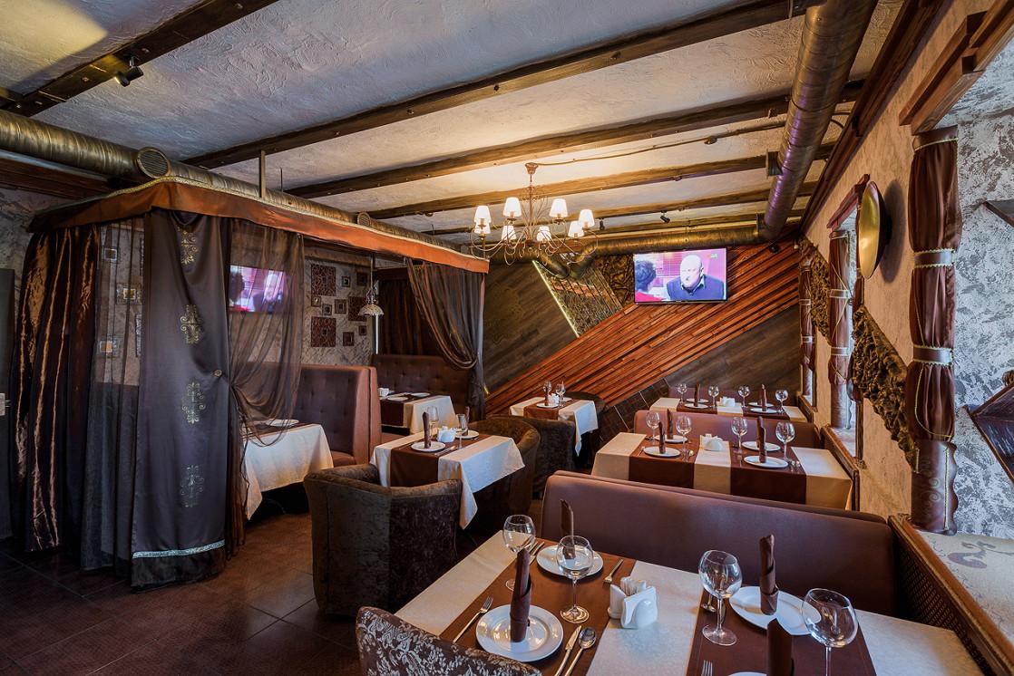 Ресторан Тандыр - фотография 2 - Уютный восточный Зал