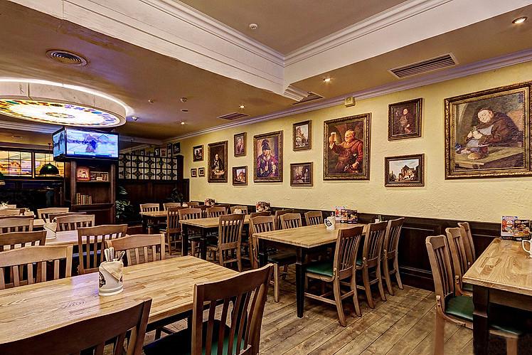 Ресторан Пив & Ко - фотография 13 - Основной зал.