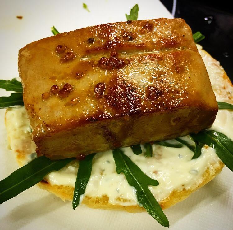Ресторан OMG Bar & Kitchen - фотография 5