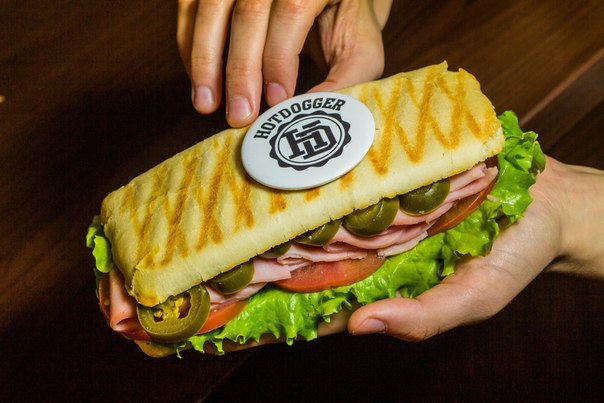 Ресторан Hotdogger - фотография 1