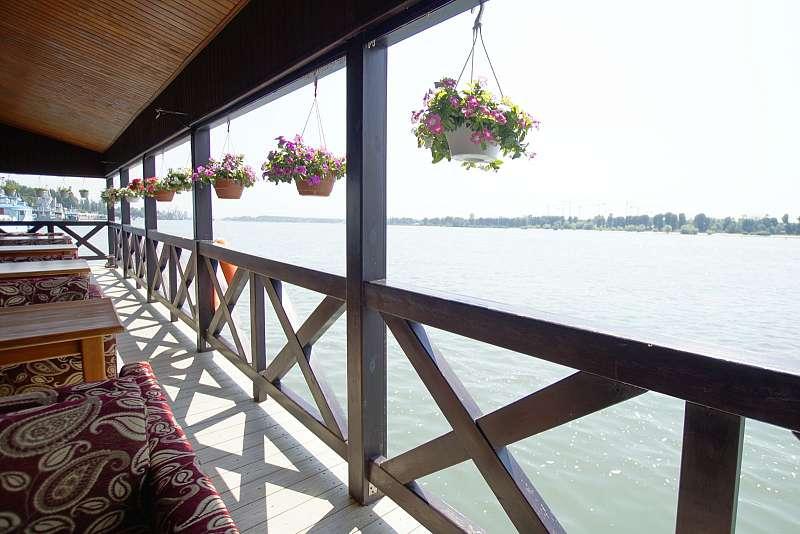Ресторан Адмиральский причал - фотография 11