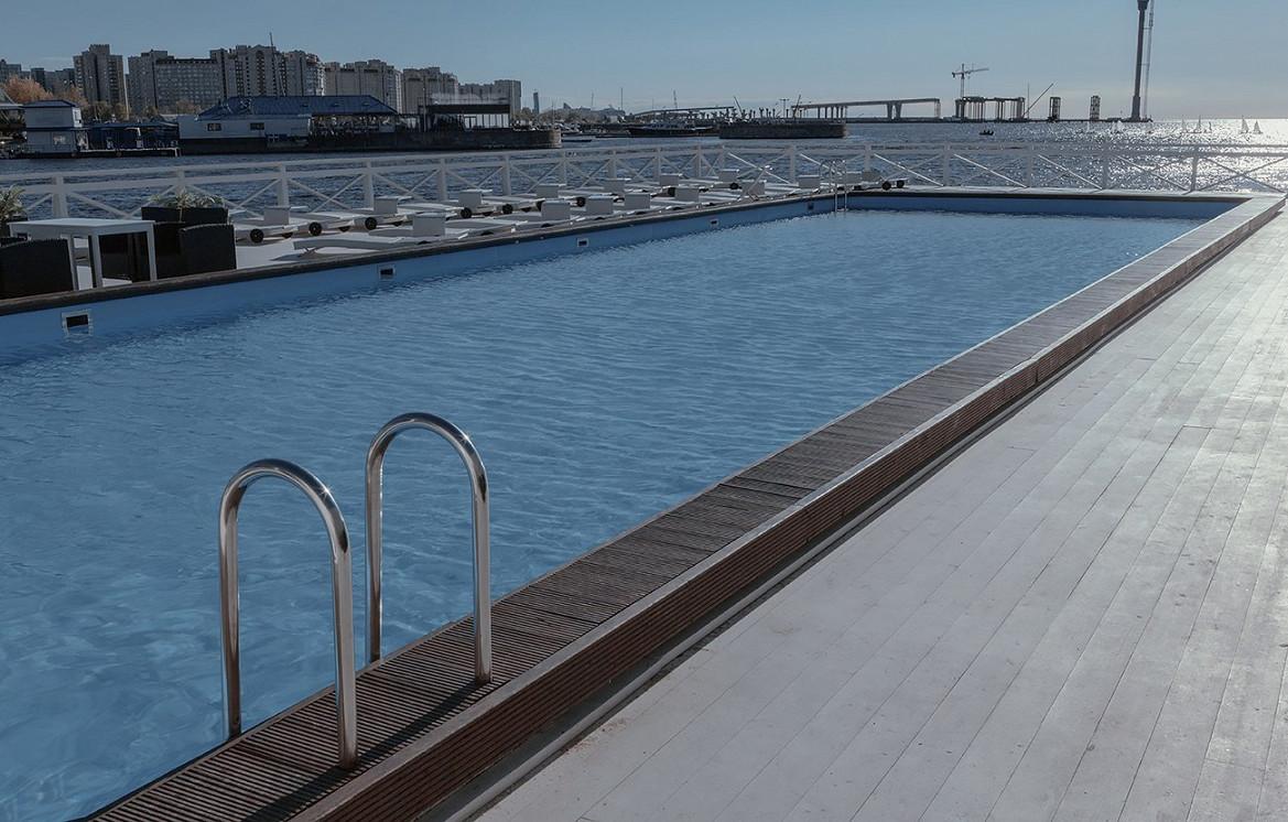Ресторан Южный - фотография 5 - 30-метровый бассейн с подогревом воды