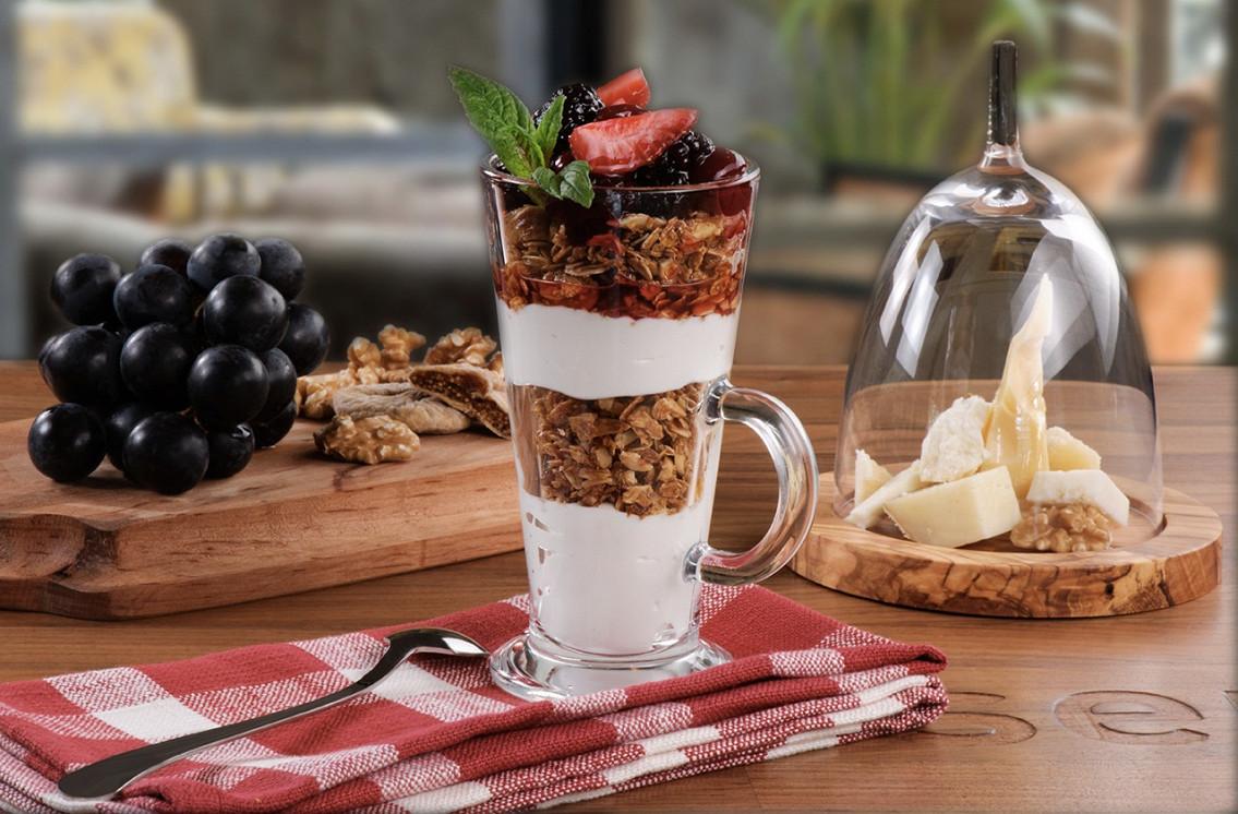 Ресторан Kitchenette - фотография 6 - Гранола с йогуртом