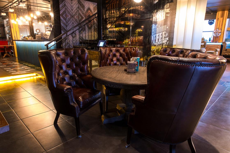 Ресторан Шоколад - фотография 2 - Идеальное место для переговоров