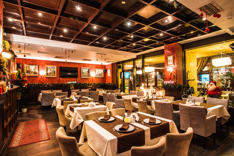 Ресторан Югос - фотография 3 - Зал.