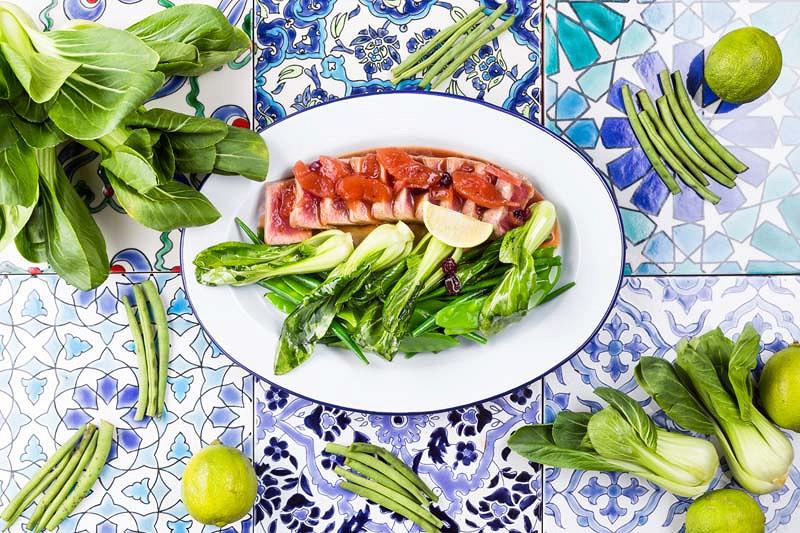 Ресторан Чайхона №1 Тимура Ланского - фотография 2 - Стейк из тунца
