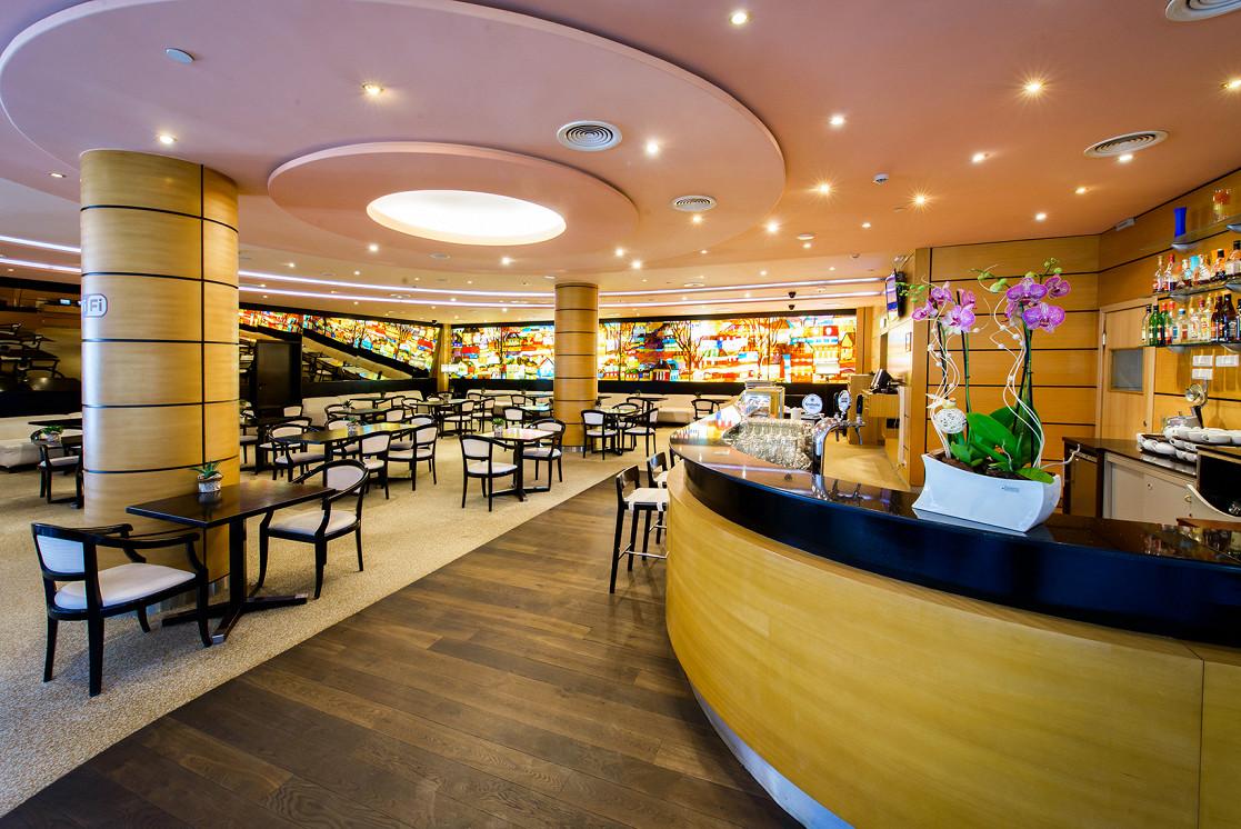 Ресторан Plaza Garden Café - фотография 2