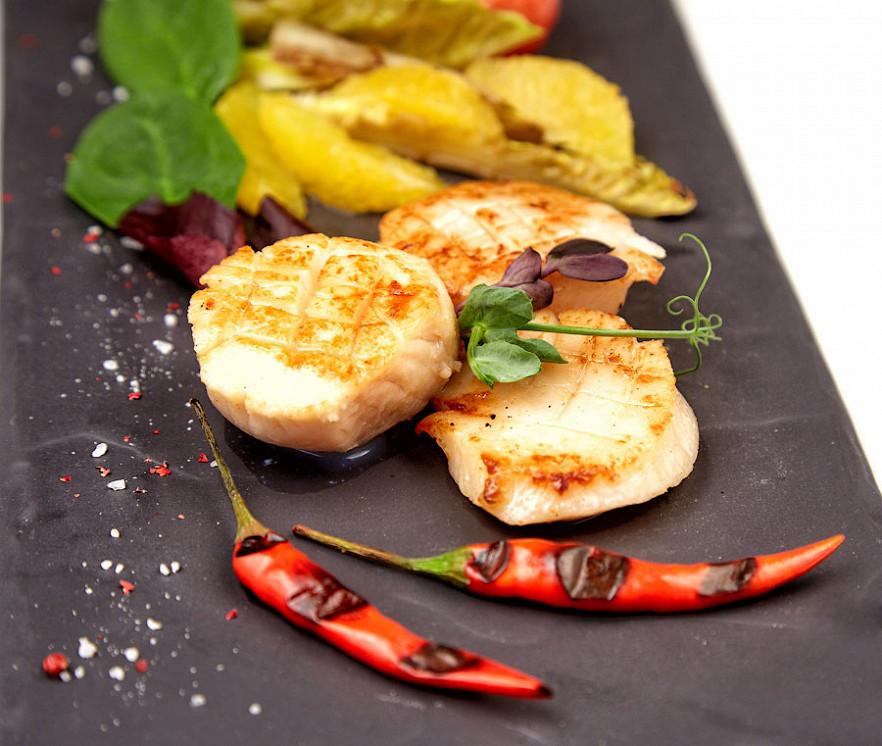 Ресторан Де Марко - фотография 30 -  Гребешки, запеченые с овощами.